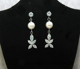 Flower Crystal Wedding Earrings with Pearl and Cubic Zirconia - Wedding Earrings - Pearl Dangle