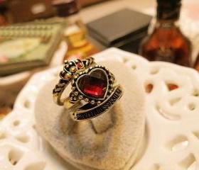 Retro set auger red peach heart crown three-piece Ring