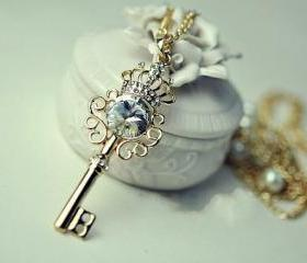 Key pearl Sweet lovely necklace, holiday party, birthday bridesmaid gift, Beaded Jewelry,wedding necklace Free Shipping