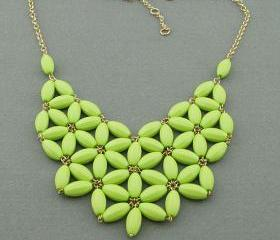 Grass green Bubble necklace, handmade bib Necklace/Statement Bubble Necklace,bridesmaid gifts,Beaded Jewelry