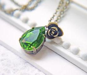 Swarovski Crystal Fern Green Teardrop Pendant Necklace. Antique Brass
