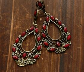 Vintage Earrings - Ruby Stone
