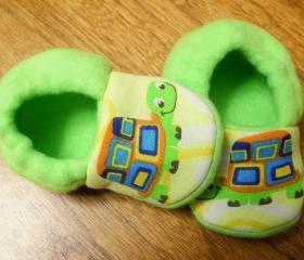 Lime Green Turtles Fleece Baby Booties