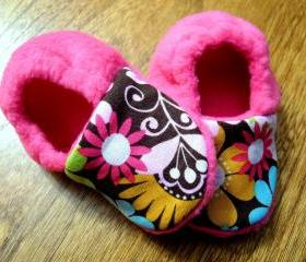 Toddler Size - Pretty Paisley - Pink Fleece Baby Booties with Non-Slip Soles