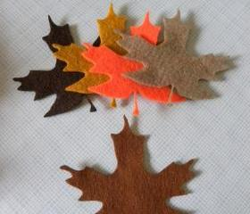 L109 -- 5 Maple leaves on felt 3.5 inch