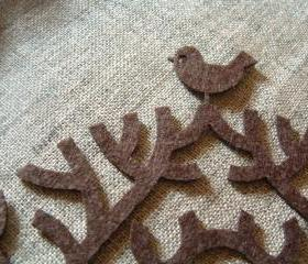 Applique Tree on felt with a little bird