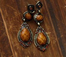 Rita's Vintage Earrings - Amber Stones