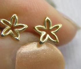 Solid Gold Flower Stud Earrings, Dainty Flower Studs, Small Flower Earrings, 14k Gold