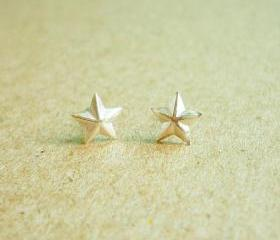 SALE - Small Star Ear Studs - 925 Sterling Silver Stud Earrings - 3D Stars - gift under 10