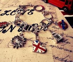 London Charm Bracelet 