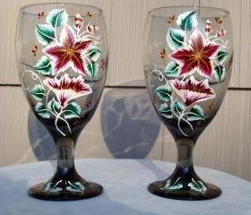 Smoke Glasses With Wine and Gold Flowers