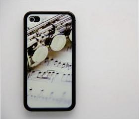 Vintage flute on sheet music iPhone 4 and iPhone 4S Rubber Case