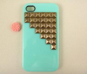 Studded iPhone 4 case, vintage bronze pyramid studs iPhone 4s case, unique iPhone 4 case cover