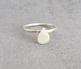 Simple sterling silver drop tiny ring
