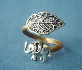 Silver elephant ring with a leaf wrap ring