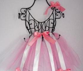 Tutu Hair Bow Holder- Wire Frame, French Vintage Inspired- Baby Shower Gift, Girls Room Decor