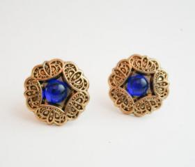 Vintage gold flower earrings, gold flower earrings, Vintage button earrings, Bridesmaid earrings, gold plated studs, under 15 gift