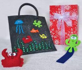 Surprise box for children, girl, bag, brooch, bookmark, surprise, felt, present