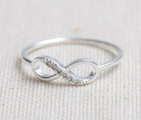 US 7 Size-delicate Infinity ring in silver-Only