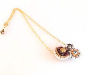 bib round flowers necklace