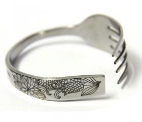 Carved Cornflower Fork-shaped Bracelettt
