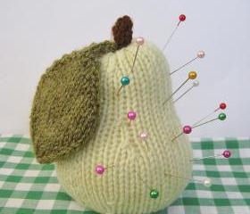 Apple and Pear Pincushions knitting patterns
