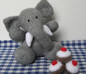 Bloomsbury Elephant toy knitting pattern