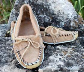 Womans Canoe Moccasin