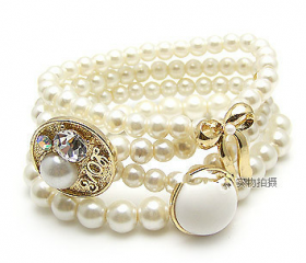 Delicate hand multilayer pearl bowknot bracelet