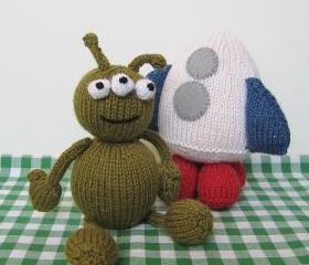 Alien adventure toys knitting patterns