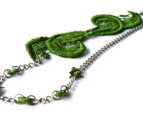 Tatting Lace Necklace. Green Vintage Necklace. Hand Dyed Lace. Steel Chain. Unique Jewelry. Handmade by SteamyLab.
