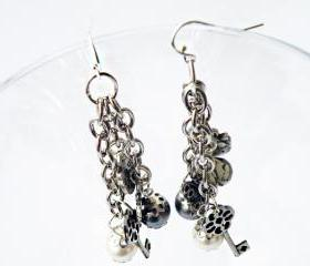 Drop Earrings. Charms Earrings. Dangle Earrings. Grey and Ivory Pearls. Smoky Glass Faceted Beads. Handmade by SteamyLab.