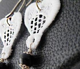 Vintage Macram Earrings. White Lace Hook Earrings. Upcycled Jewellery. Unique Jewelry. Handmade by SteamyLab.
