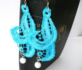 Vintage Macram Long Earrings. Hand dyed Turquoise Lace Hook Earrings. Upcycled Jewellery. Unique Jewelry. Handmade by SteamyLab.