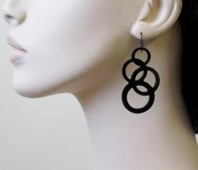 Going In Circles - Inseparable Circles Earrings
