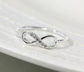 Dainty infinity ring 8.5 size in silver