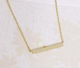 Bar necklace in gold, everyday jewelry, delicate minimal jewelry