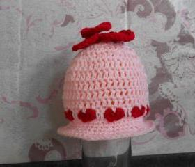 Red Hearts Hat