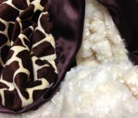 Cream Rose Swirl, Giraffe Print With Ruffle Trim Minky Blanket 30'x42'