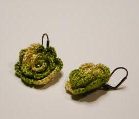 Green crocheted earrings Charm rose earrings