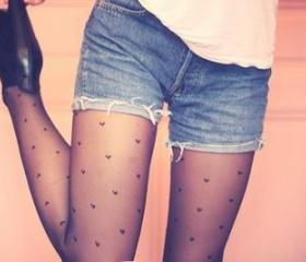 HEART PRINT STOCKINGS