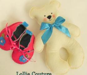 Teddy Bear Love / felt baby animal / vintage style toys / Baby shower