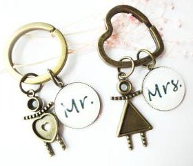 Cute Couple Mr Mrs Human Body Man Woman Charm Keychains Black White