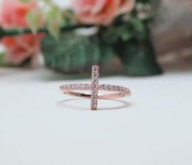 RHINESTONE SIDEWAYS CROSS ring in Gold Pink-size 7