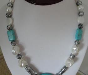 Pretty Turquoise and White Beaded Fashion Necklace