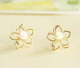 Sweet Vogue Girly Resin Flower Stud Earrings