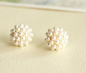 Fashion Elegant Round Pearl Earrings