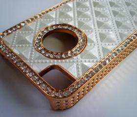 iPhone 4 / 4S Luxury White Diamond Rhinestone with Gold Trim Bling Case