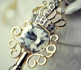 Vintage Crystal Key Style Necklace