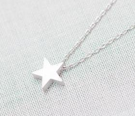 Tiny Star Pendant Necklace in silver